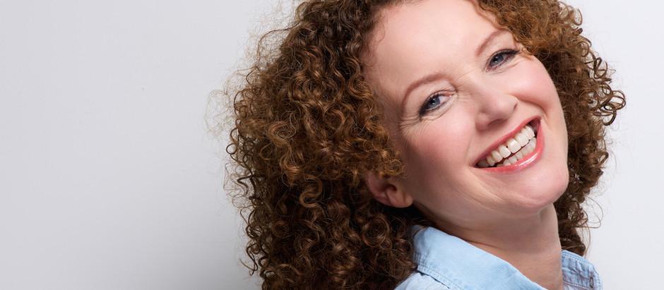 Viisi vinkkiä hammasproteesin käyttäjälle