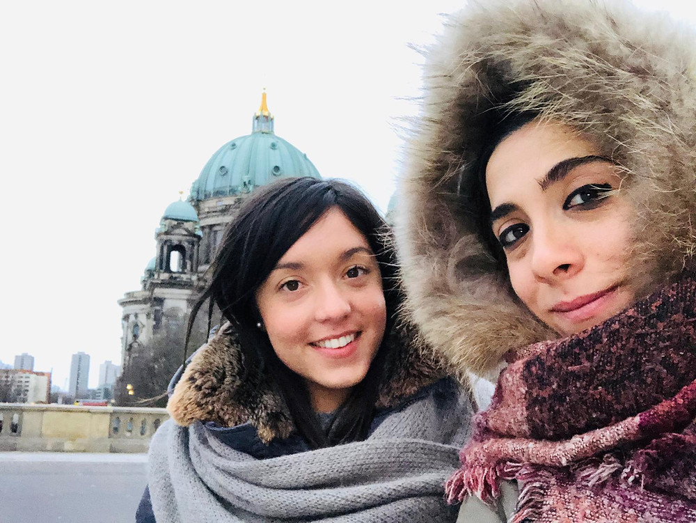 Le nostre #BlindfoldTravellers Elisa e Silvia hanno approfittato del ponte dell'Immacolata per viaggiare con Blindfold Travel, destinazione del loro viaggio a sorpresa: Berlino!