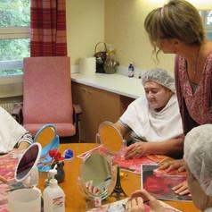 Socio-esthétique : atelier pour personnes âgées