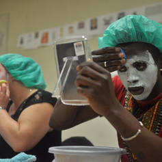 Socio-esthétique : atelier pour jeunes en réinsertion, soin complet du visage (gommage, masque et auto-modelage)