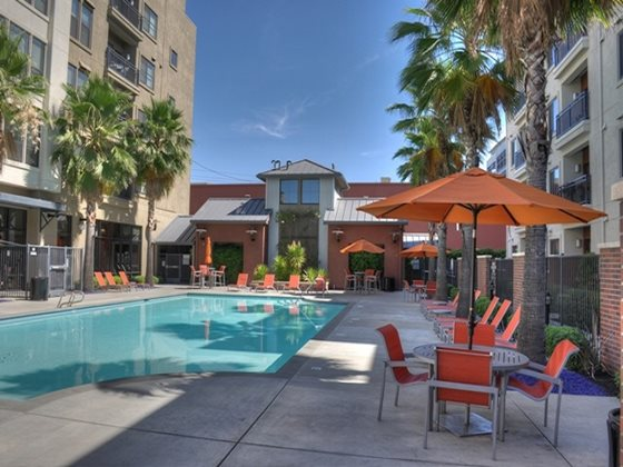 Linq Midtown Pool