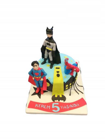 Süper Kahraman Pasta