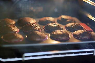 muffins-in-oven-AVNVY3V_edited.jpg