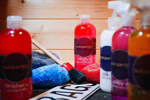 Simply + specialist shampoo