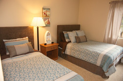 Beautiful Guestroom w/Full And Twin