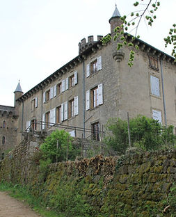 Façade du château du Vergier - Famille de Chabannes