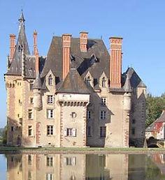 Façade est du château d'Avrilly