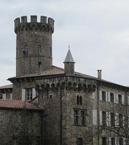 Façade du château du Vergier - Famill de Chabannes