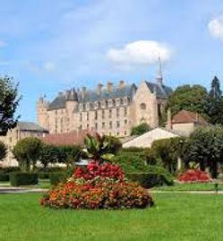 Château de La Palice vue du village - Famille de chabannes