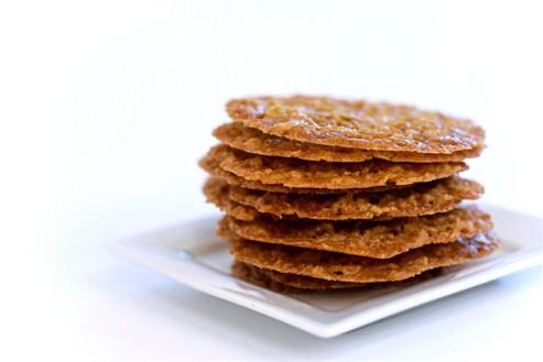 irish%20lace%20cookies1_edited.jpg