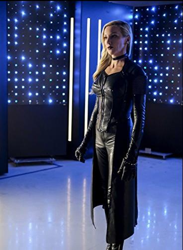Arrow: The Nuance of Black Jackets