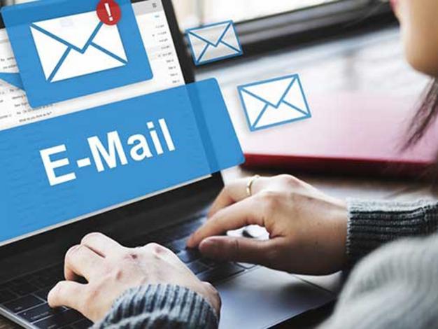 ฝึกเขียนอีเมล์และรายงาน