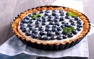Breakfast Tart with Berries and Yogurt and Granola Crust