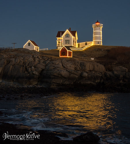 Waves Splashing Below Nubble in Lights