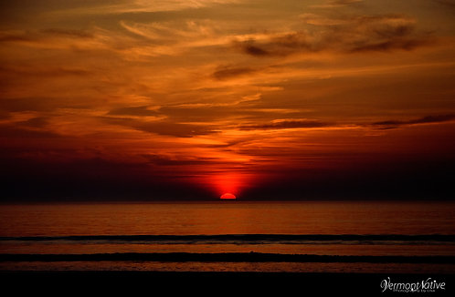 Bold Sunrise on the Ocean
