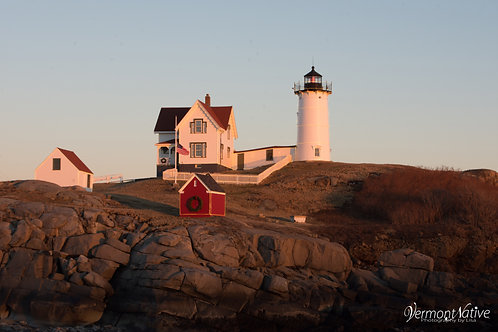 Sun setting on Nubble Lighthouse