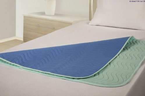 Vida Washable Bed Pad - Midi - 90 x 90cm - with tucks - Green