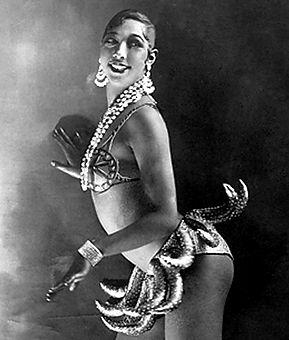 Joséphine_Baker_-_Folies_Bergère_-_1926.