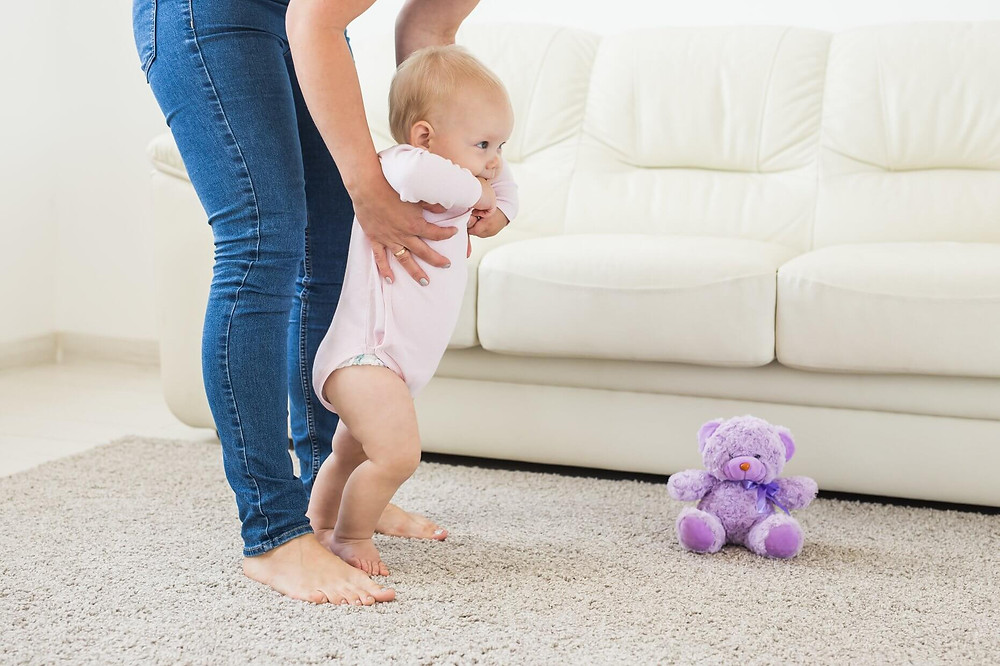 Find your trusted babysitter professional with Evelyn Johnson Babysitting Newcastle.