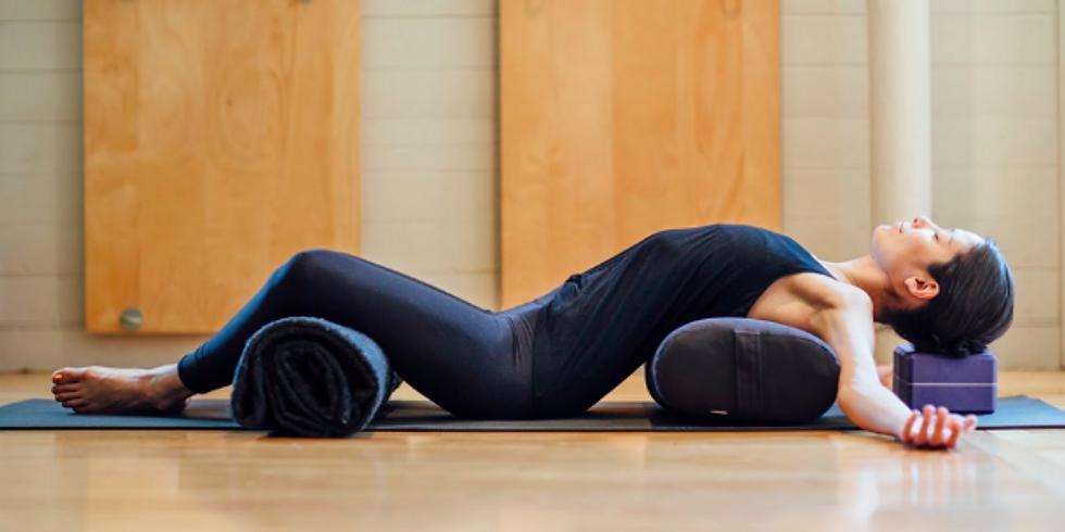 Séance de yoga restauratif