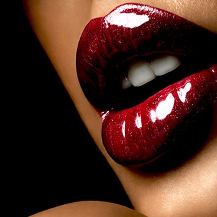 8 Tips To Keep Lipstick in Place All Day