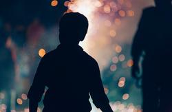 Child-Watching-Fireworks