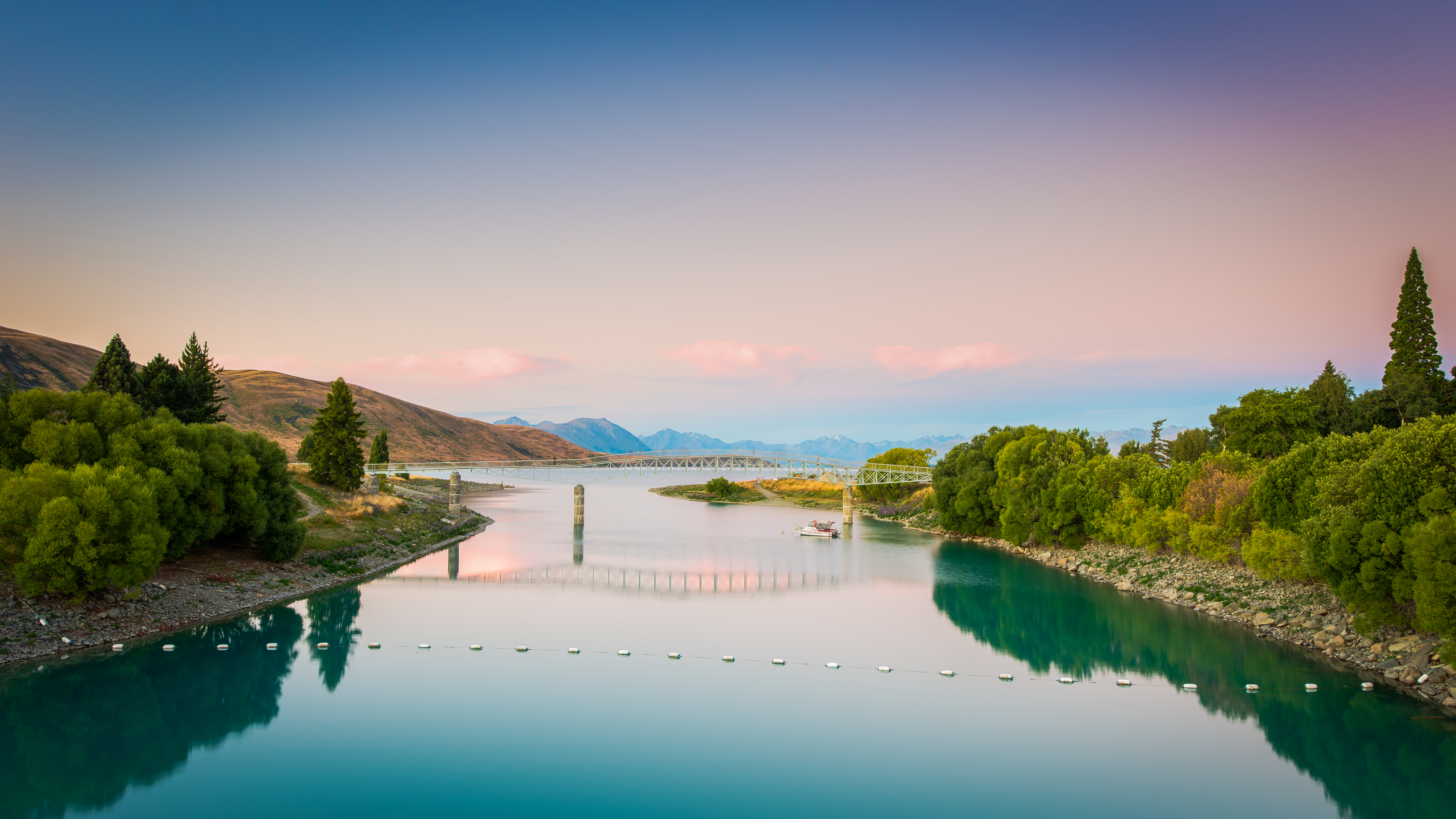 Lake Tekapo Bridge