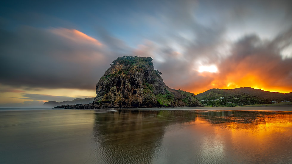 Piha Beach Early Morning Sunrise - Auckland, New Zealand