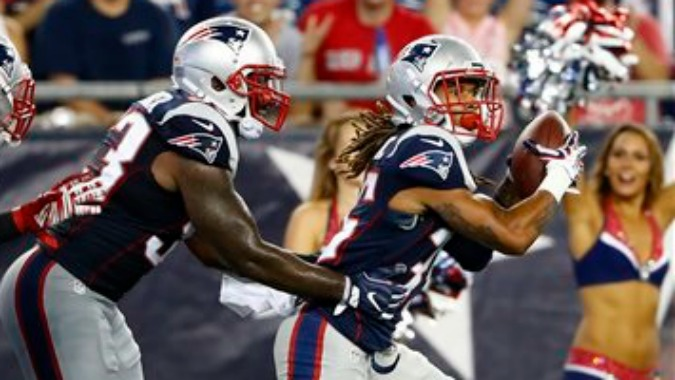 new-england-patriots-crevon-leblanc-interception-saints (1)