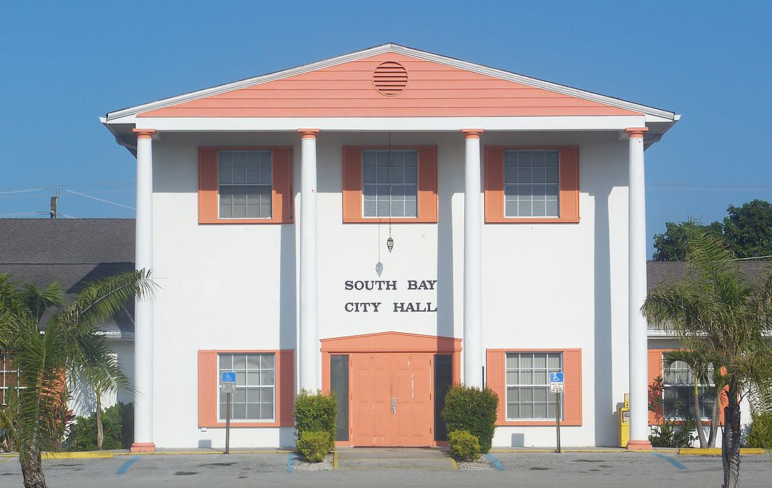 1200px-South_Bay_FL_city_hall01