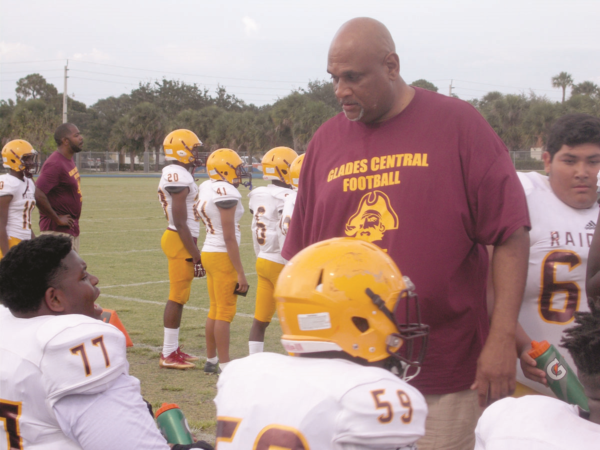 Glades-Central-football-Palm-Beach-Gardens-photo-1-1