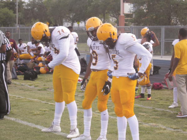 Glades-Central-football-Palm-Beach-Gardens-photo-5-1