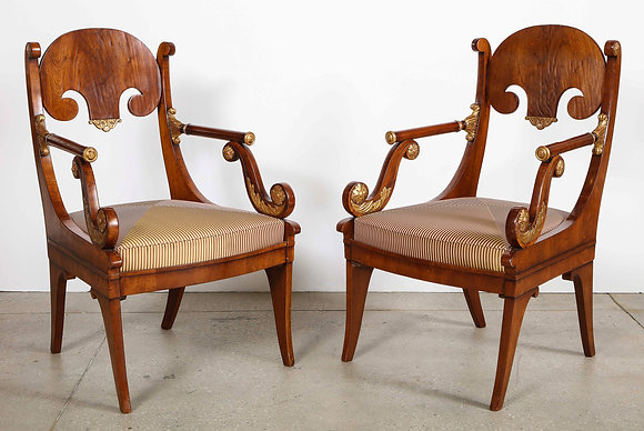 (#2073) Pair of Russian Neoclassical Parcel-Gilt Mahogany Armchairs