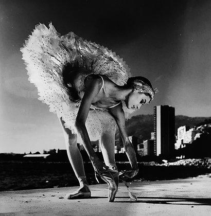 (#1350) Ballet Dancer, Monaco, 1985 Helmut Newton