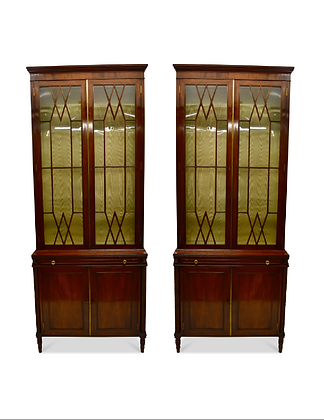 (#1449) An Elegant Pair of Regency Mahogany Book Cases