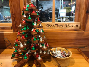 Shop Class Kissmas Tree