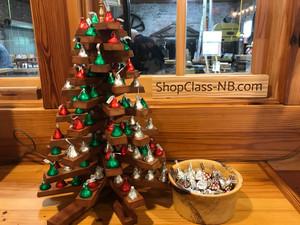 Shop Class Kissmas Tree