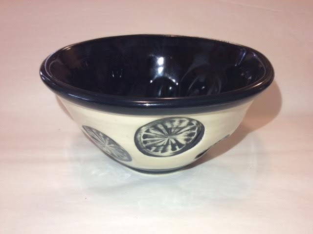 Black & White Wheel Bowl