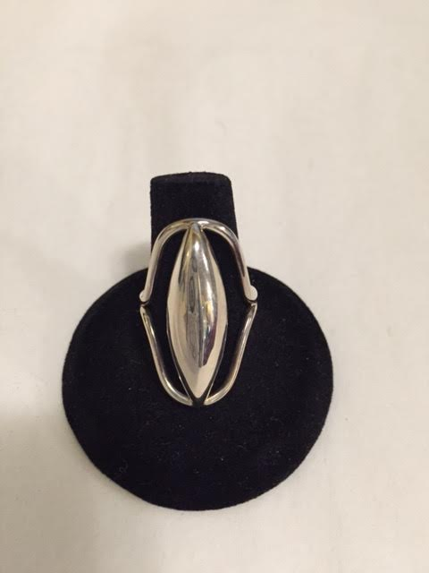 Silver Oval with Outline