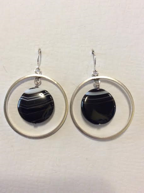 BLACK TEXTURED DOUBLE CIRCLE EARRINGS