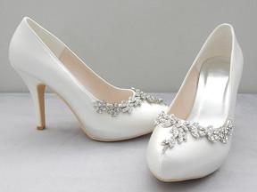 Elegir tus zapatos de novia sin morir en el intento