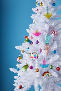 CS_PGH_Ornaments_Bay.jpg
