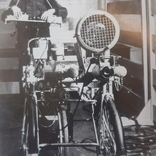 Early bomb disposal robot, 1972 (from '3-2-1 Bomb Gone')