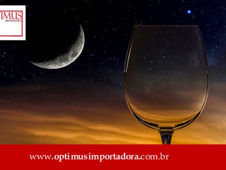 Como a lua influencia o sabor do vinho?