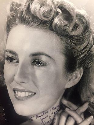 Vera Lynn Ung med underskrift..jpg