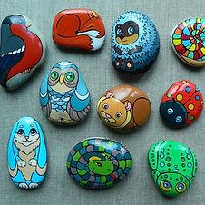 Роспись камней акриловыми красками.jpg