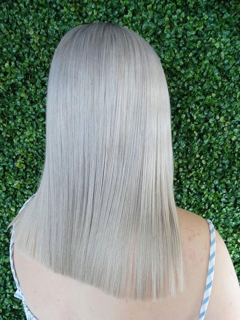Fresh icy blonde hair 😍😍💙💙_- before