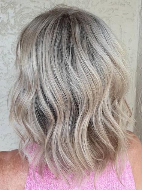 Short wavy blondes 🥰__#blonde #blondesp