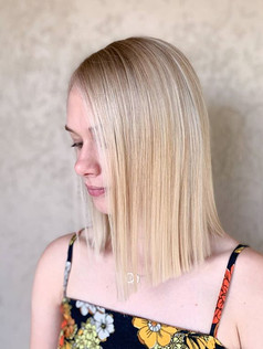 Sleek blonde babe!! I have some stunning