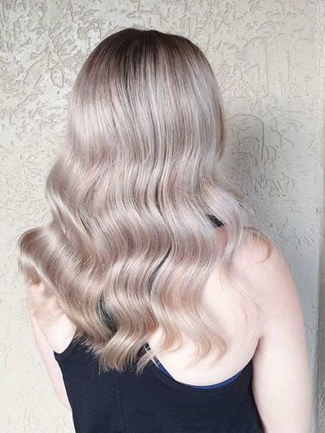 I am loving all these lived in blondes ?